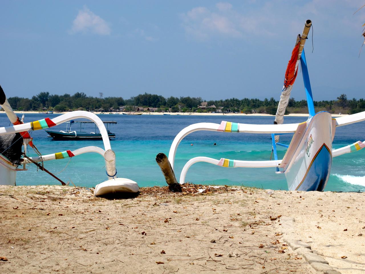 Bunte Boote liefern hervorragende Fotomotive auf den Gili Islands.