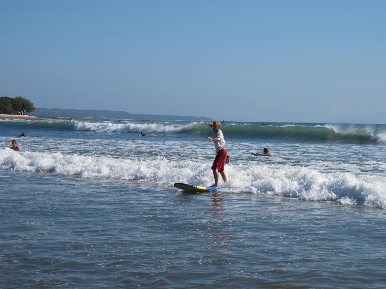 Schaumwellen Surfen - Perfekte Anfängerbedingungen auf Bali