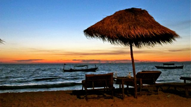 """""""The Beach"""" mal kambodschanisch"""
