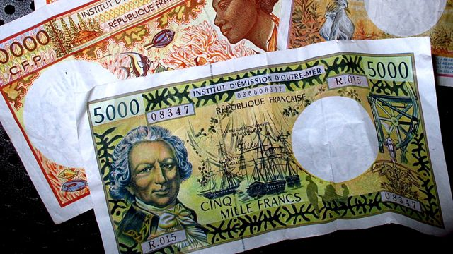 Polynesische Schönheit auf Papier