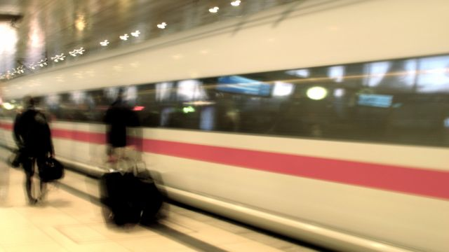 Vom Zug zum Flug, NoShow und Dunkler Materie