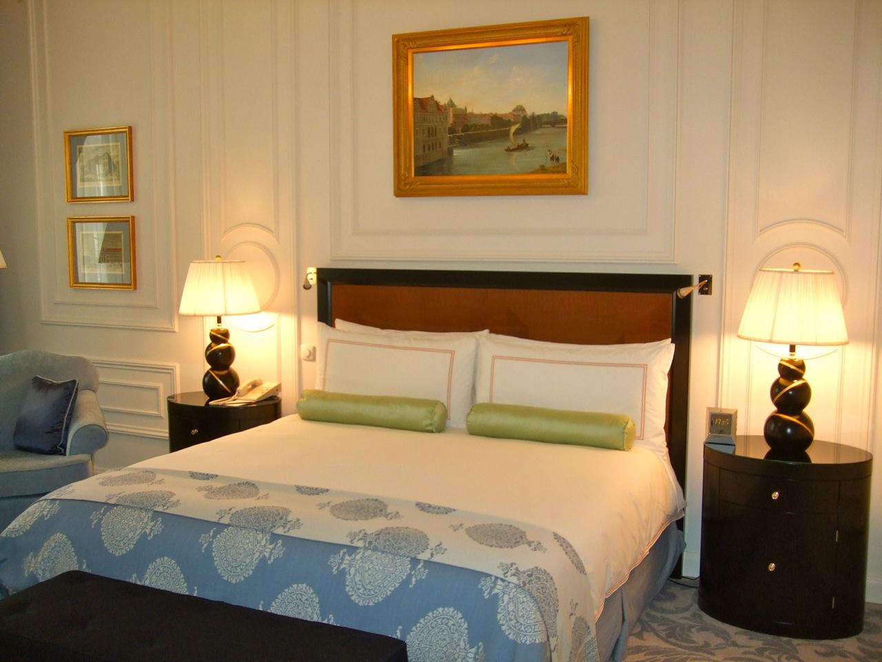 Four Seasons Hotel Prague room