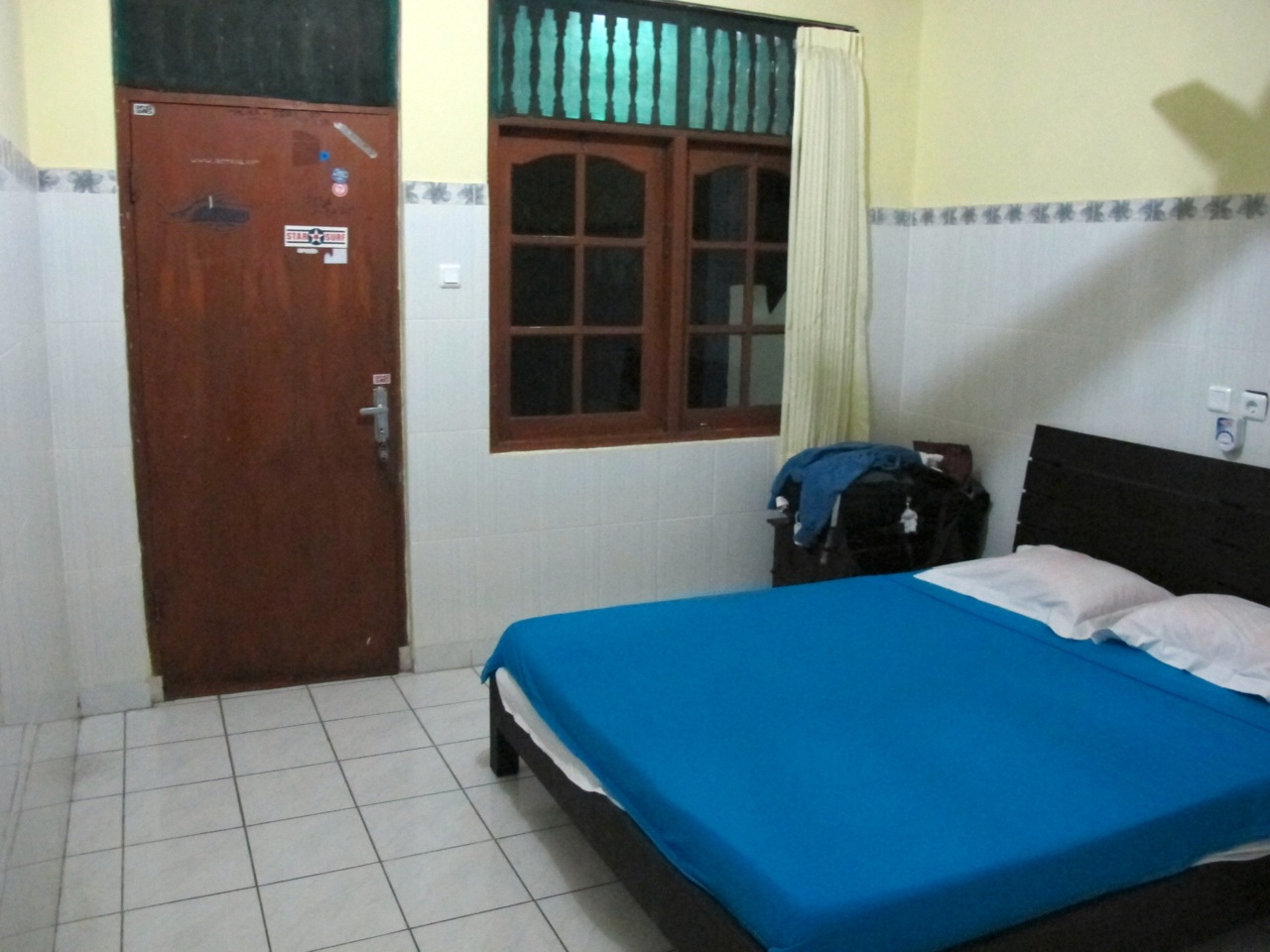 Gora Beach Inn room