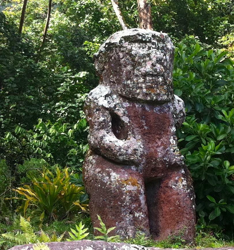 Hiva Oa gran tiki, French Polynesia