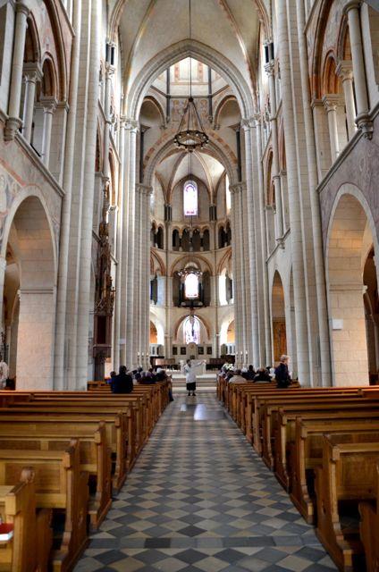 Limburger Dom innen