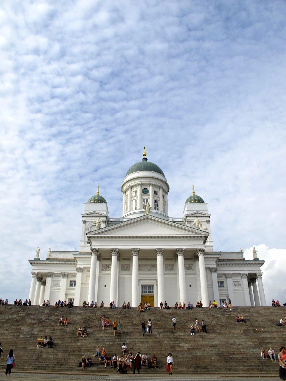 Von allen Helsinki Sehenswürdigkeiten sicher das meist fotografierte, Der Dom von Helsinki.