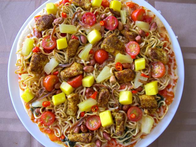 Asiatische Pizzakreation